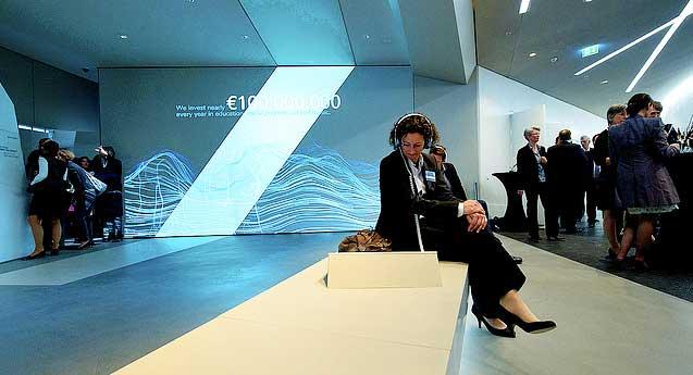 peek inside deutsche bank s brandspace strategy standards. Black Bedroom Furniture Sets. Home Design Ideas