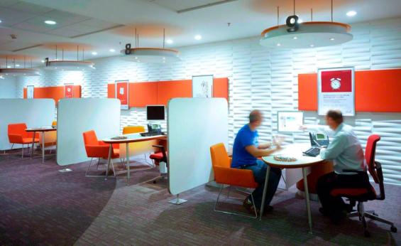 helm_bank_meeting_space