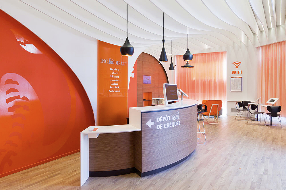 ing direct cafe lyon welcome desk the financial brand. Black Bedroom Furniture Sets. Home Design Ideas