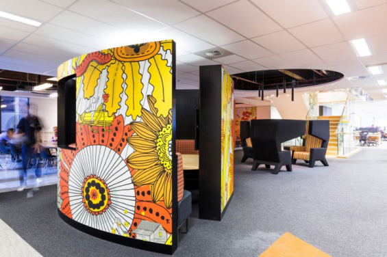 commonwealth_bank_call_center_meeting_booth_2