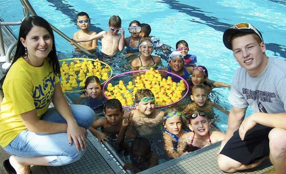 service_1st_credit_union_duck_derby_kids_in_pool