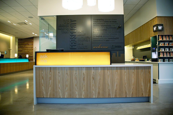 umpqua_bank_branch_concierge_desk