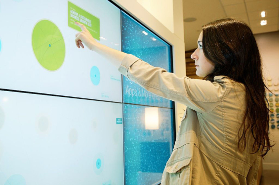 umpqua_bank_branch_touchscreen