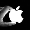 apple_logo_hand