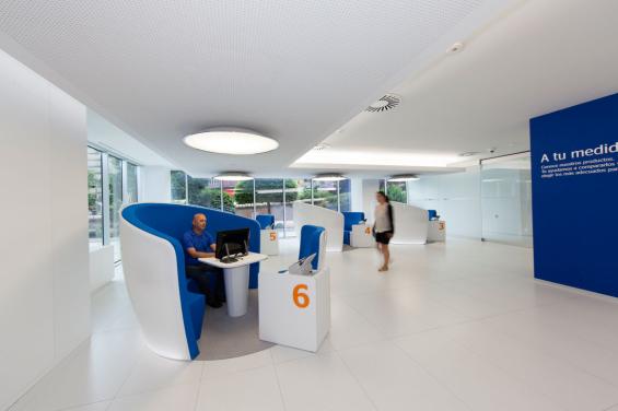 bbva_easybank_branch_interior_customer_service_station