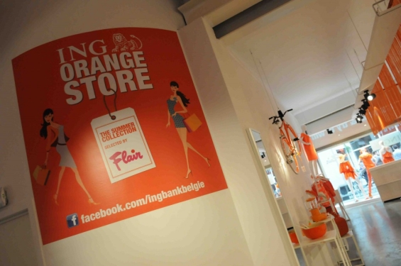 ing_pop_up_store_signage