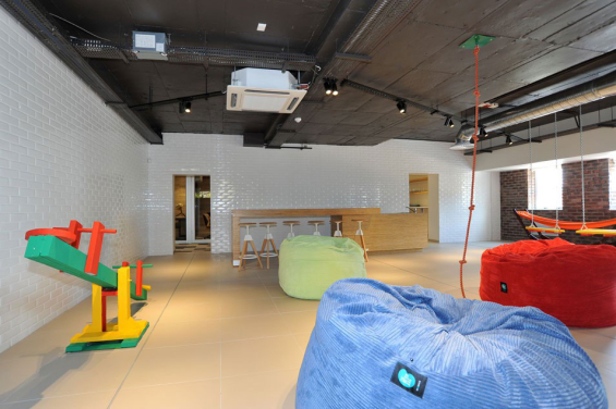 standard_bank_innovation_playroom_2