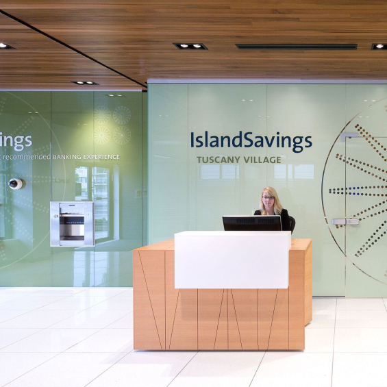 island_savings_branch_design_welcome_desk