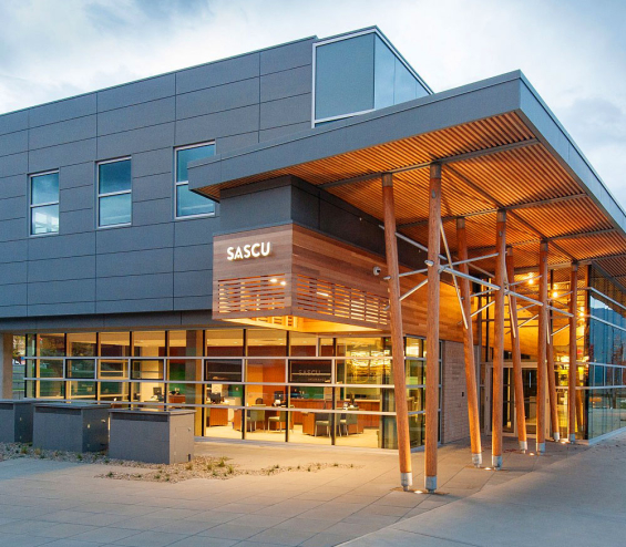 salmon_arm_savings_branch_design_exterior_entry
