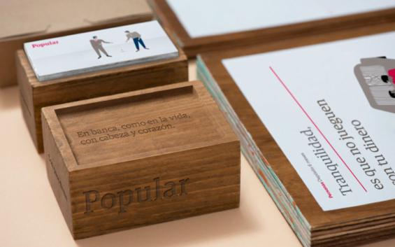 popular_bank_brand_desk_accessories