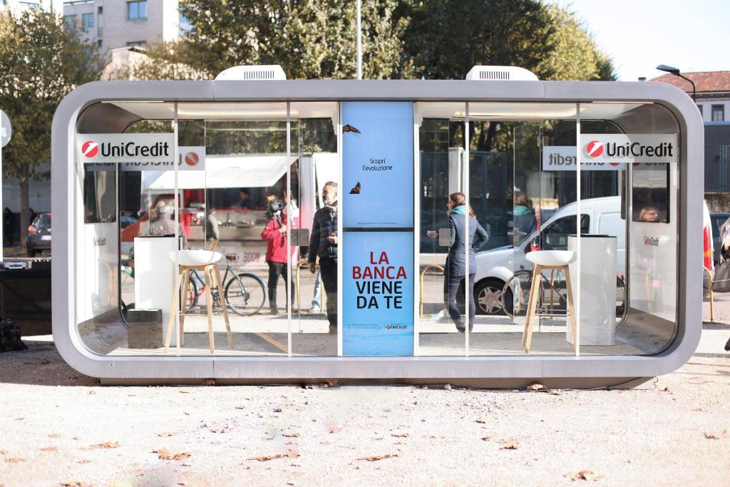 Unicredit Pop Up Branch The Financial Brand