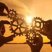 - partnership200 - 5 Ways Fintech Firms Help Banks and Credit Unions
