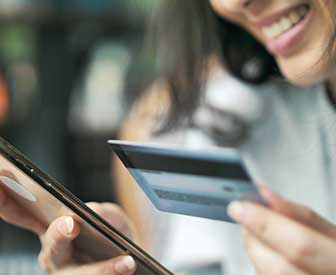 Image for Nearly Half of Americans Own a Contactless Card